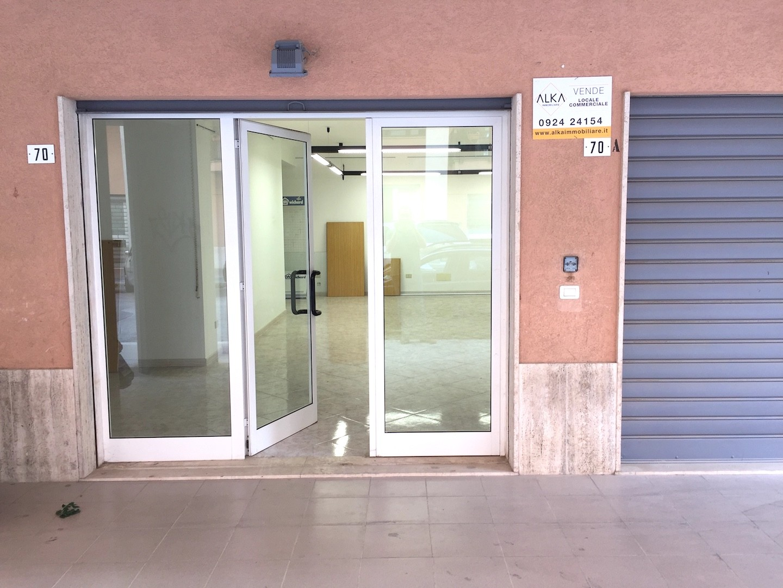 Locale commerciale in vendita ad Alcamo