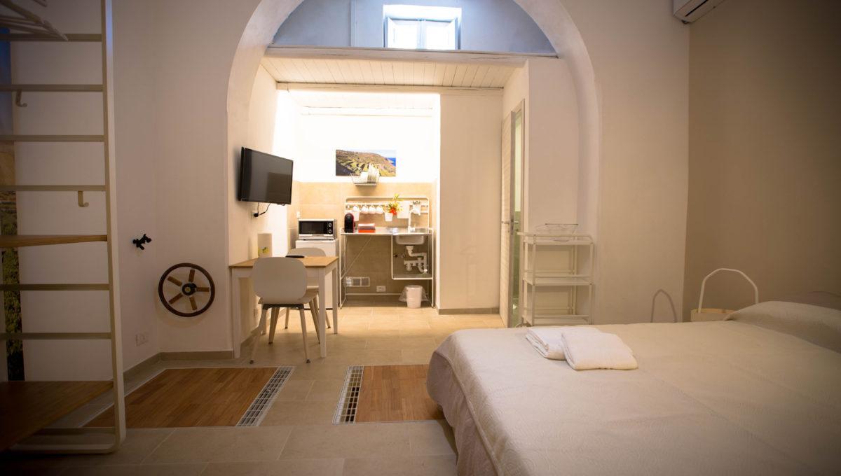 Monolocale1_bed-breakfast-castellammare-del-golfo-vende-22_1