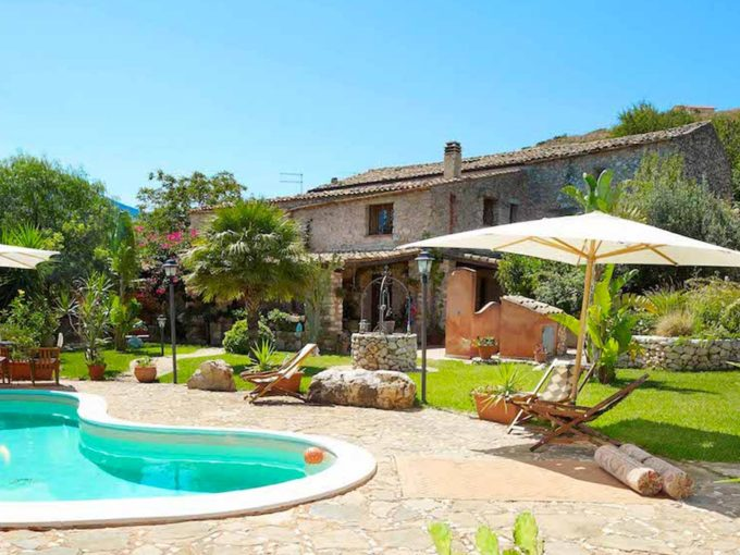 Casa Sarmuci 1 680x510 - Prestigioso Rustico panoramico in vendita a Scopello