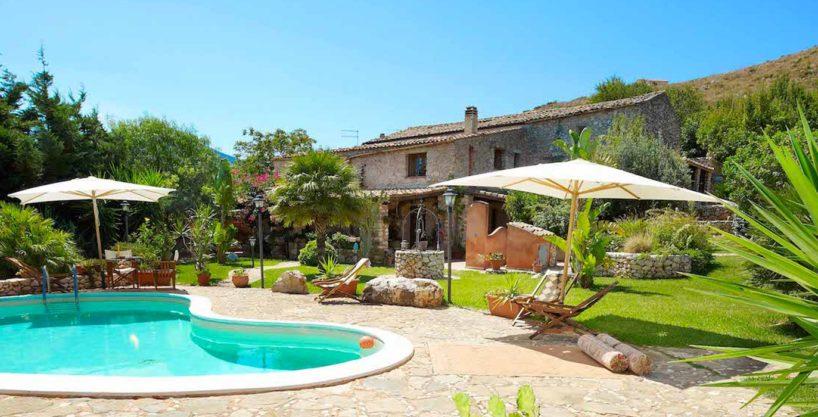 Casa Sarmuci 1 818x417 - Prestigioso Rustico panoramico in vendita a Scopello