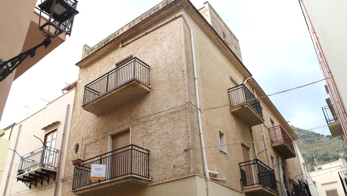 Casa in vendita a Castellammare del Golfo vicino al Porto turisticoIMG_0343