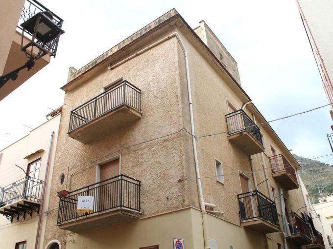 Casa in vendita a Castellammare del Golfo vicino al Porto turisticoIMG 0343 680x510 - Casa in vendita a Castellammare del Golfo vicino al Porto turistico