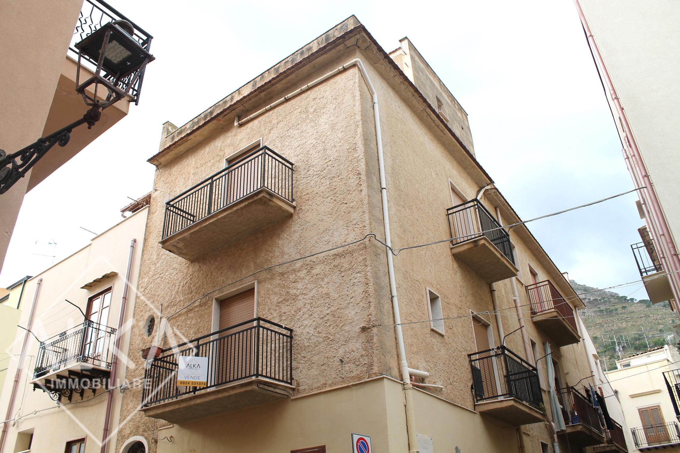 Casa in vendita a Castellammare del Golfo vicino al Porto turistico