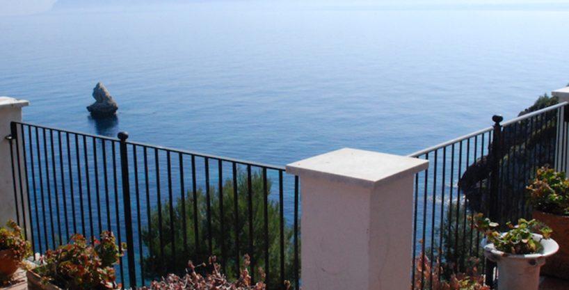 villa vela alkaimmobiliare 1 818x417 - Prestigiosa Villa sul Mare in vendita a Scopello