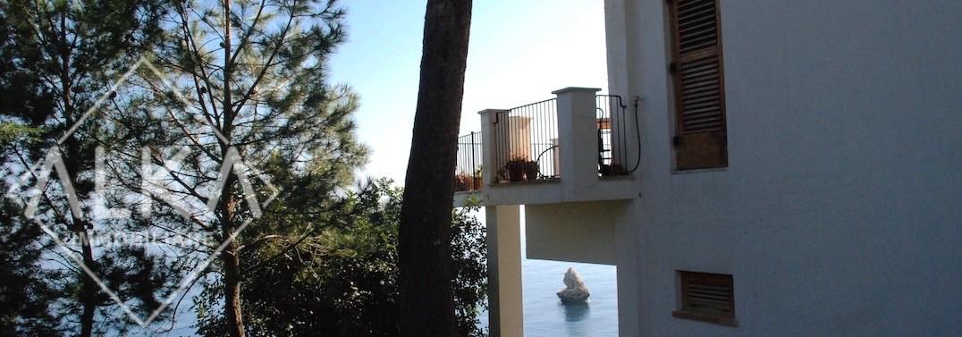 villa velaCastellammare del Golfo02 vista mare e terrazza dal piazzale 2