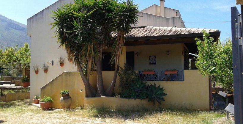 1 818x417 - Villa in vendita a Castellammare del Golfo