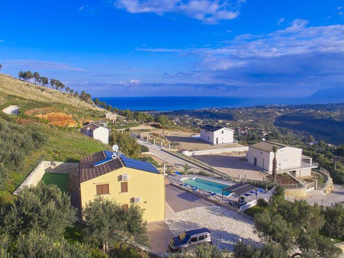 170631208 680x510 - Villa con piscina a Castellammare del Golfo