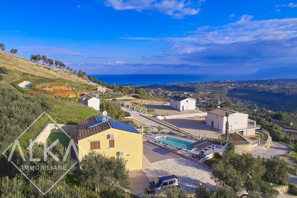 Villa con piscina a Castellammare del Golfo