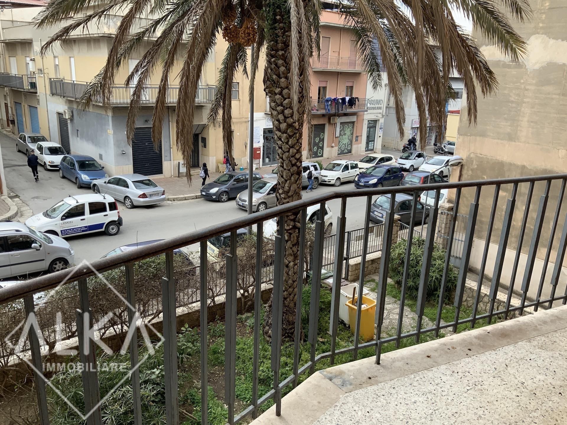 Locale ad uso ufficio in affitto ad Alcamo