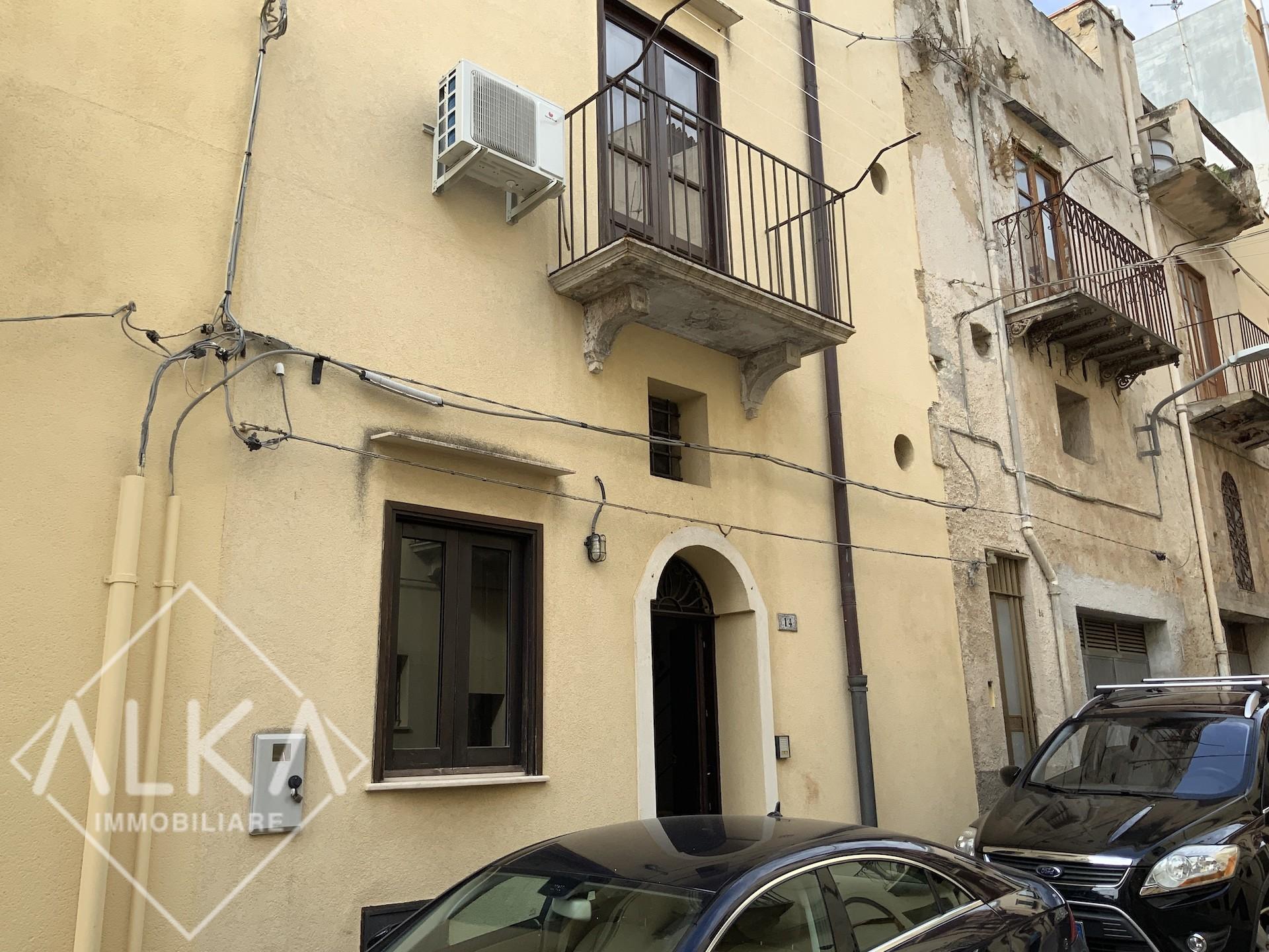 Casa in vendita a Castellammare del Golfo – vicino Villa Comunale
