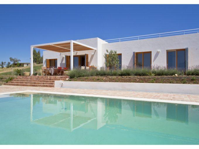 IMG 0171 680x510 - Incantevole Villa panoramica con piscina - Menfi